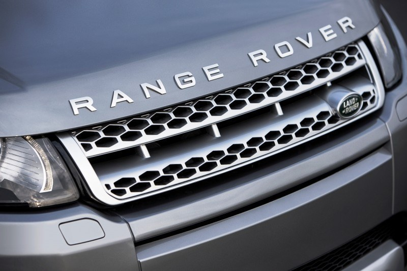 2015 Range Rover Evoque Gains 9-Speed Auto, Refreshed Info Tech and Boosted Engine HP 9