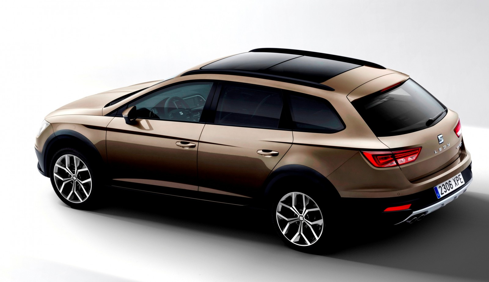 2015 seat leon x perience is gravel ready estate car coming to european dealers in november 5. Black Bedroom Furniture Sets. Home Design Ideas