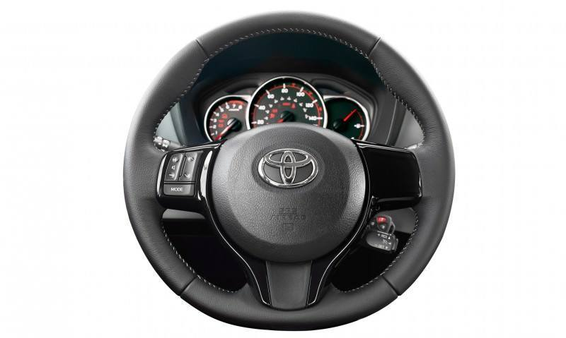 2015 Toyota Yaris Adds LED Style and Standard Touchscreen Audio 13