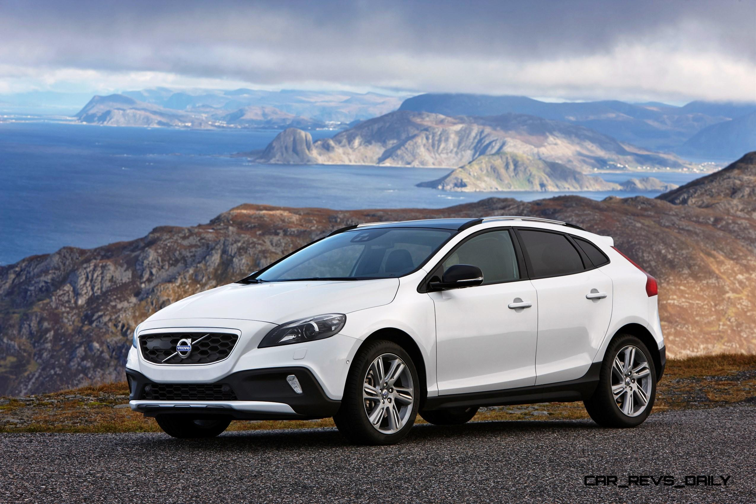 2015 volvo v40 xc adds 245hp t5 powertrain usa imports. Black Bedroom Furniture Sets. Home Design Ideas