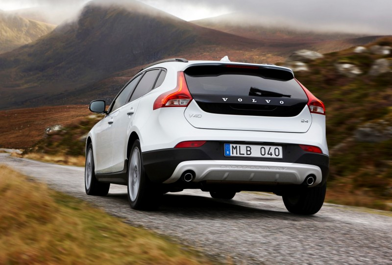 Fast Awd Cars >> 2015 Volvo V40 XC Adds 245HP T5 Powertrain - USA Imports ...