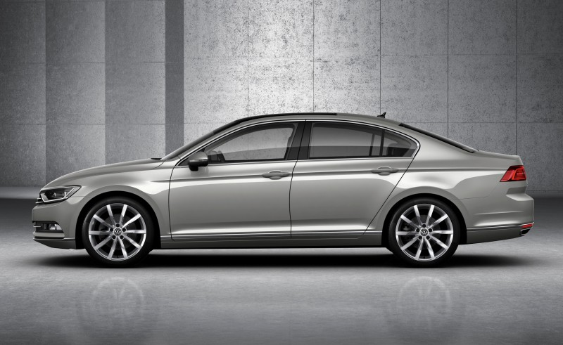 2015 Volkswagen Passat Debuts Fresh European-Model-Only Redesign 18