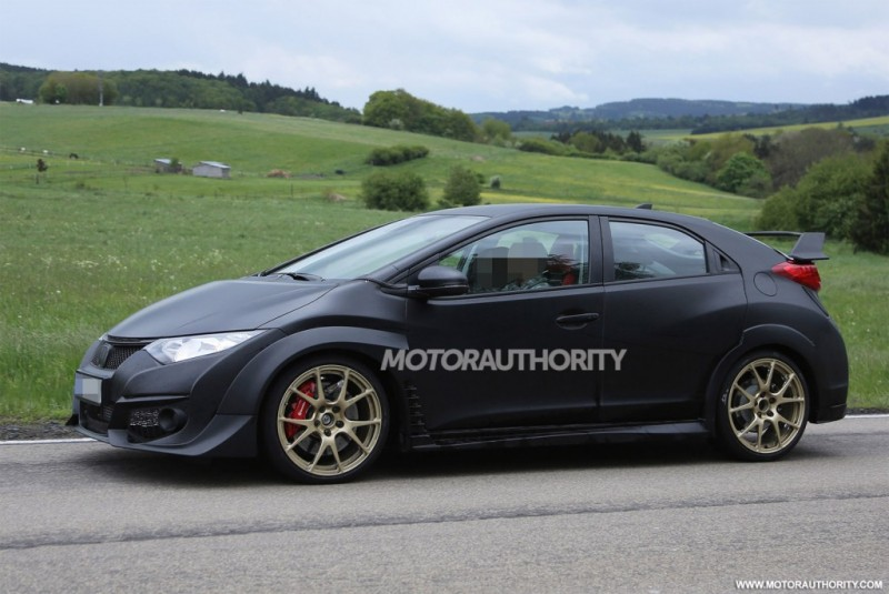 2015-honda-civic-type-r-spy-shots_100466827_l