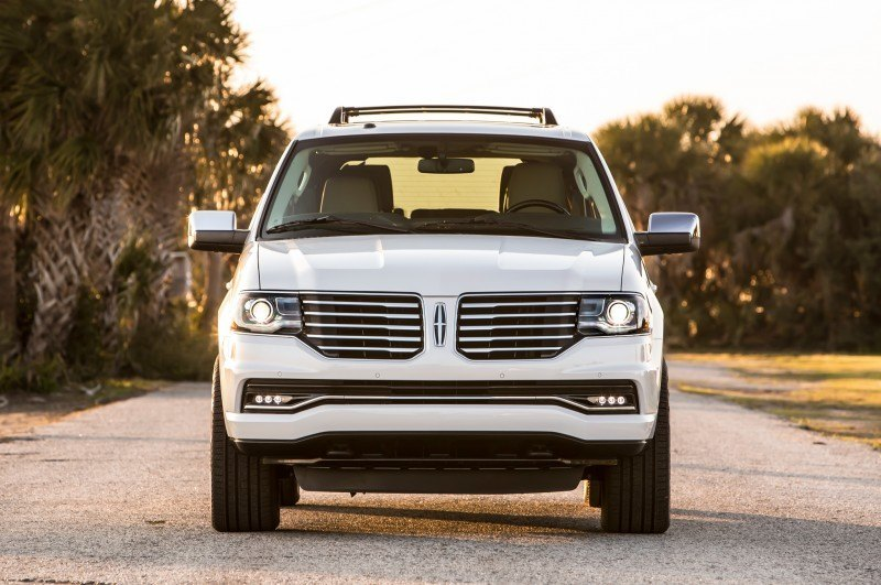 2015-lincoln-navigator-front-end