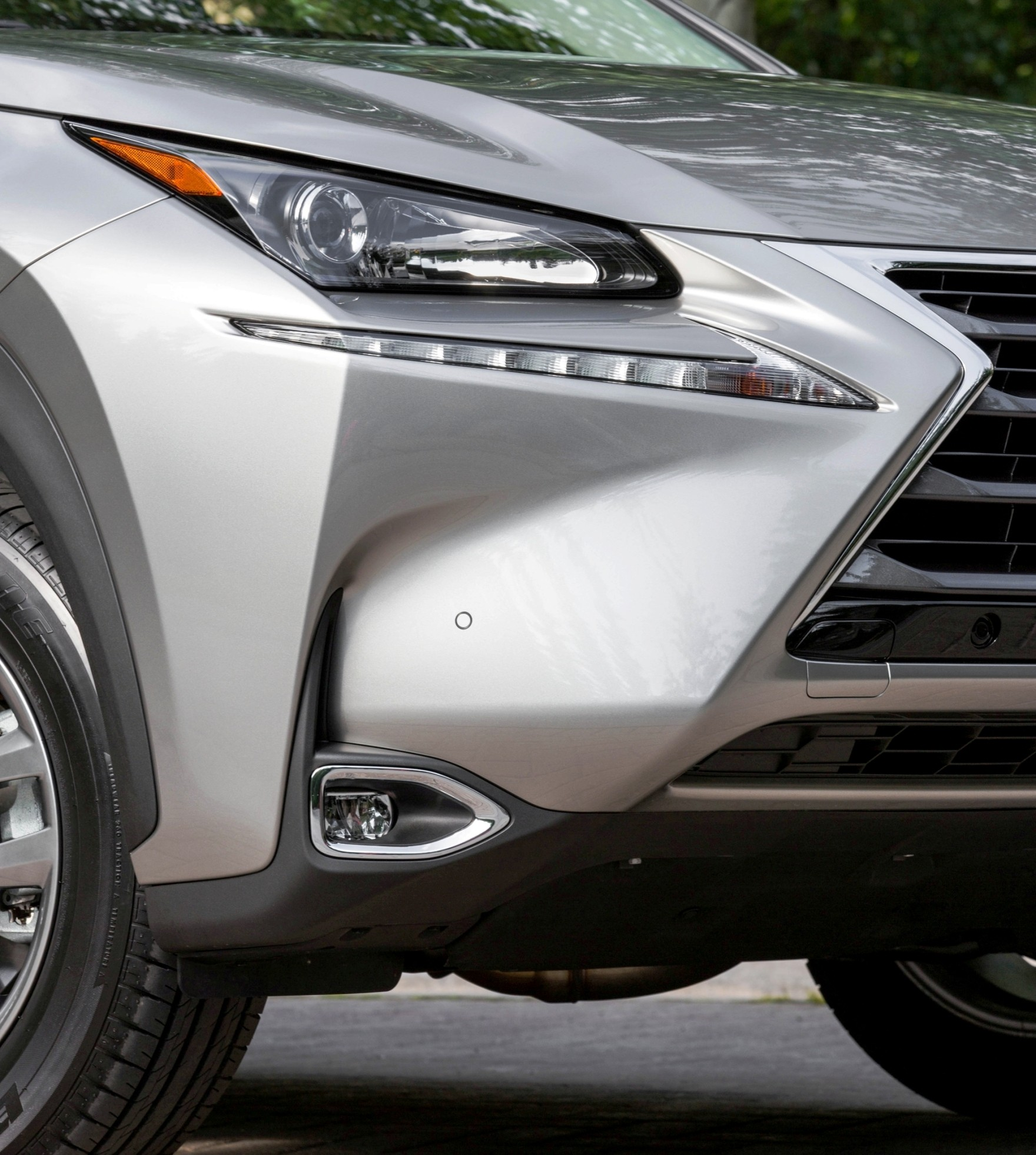 Lexus Nx300h Price: 2015 Lexus NX200t And NX300h Are Ultra-Modern Inside And Out