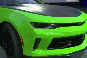 Updated with Action GIFs – 2017 Chevrolet CAMARO 1LE Track Pack Slides Into Chitown!