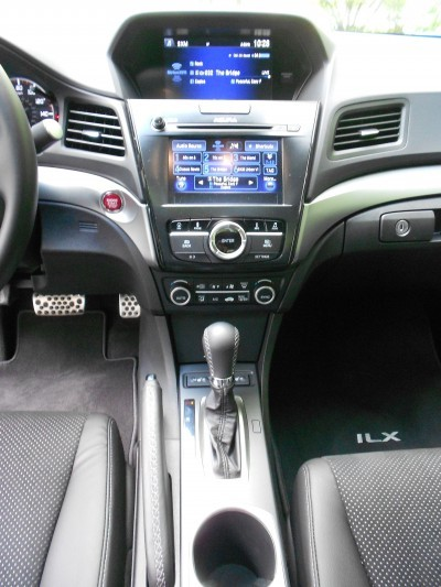 2016 Acura ILX Review 11