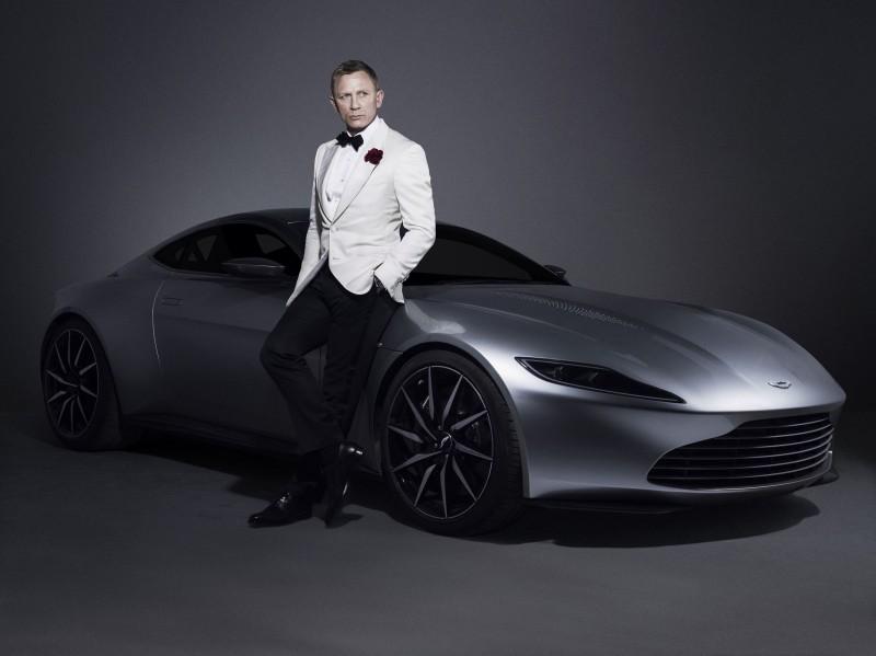 2016 Aston Martin DB10 7