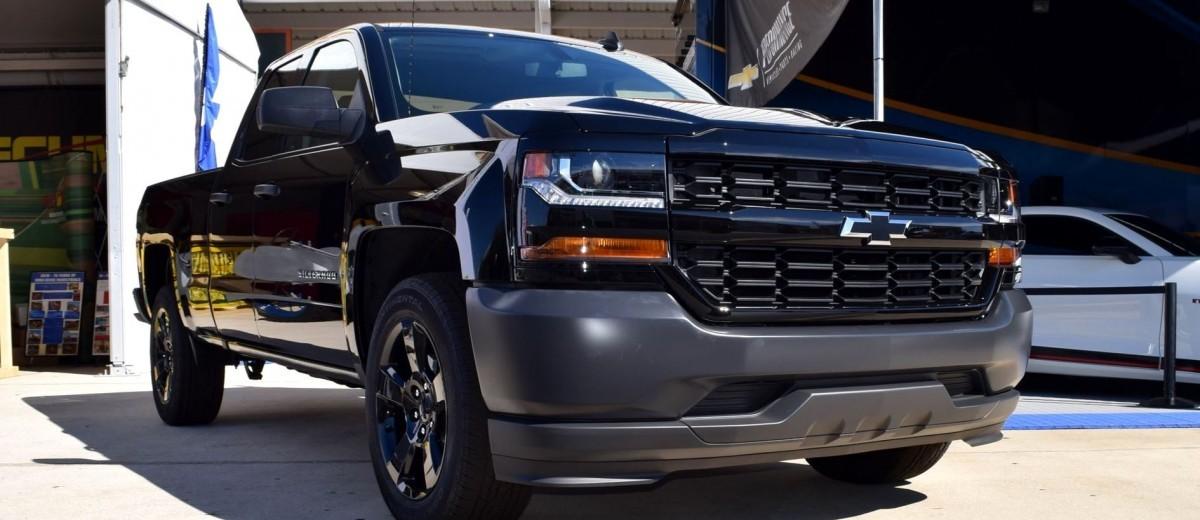 2016 Chevrolet Silverado Black Out