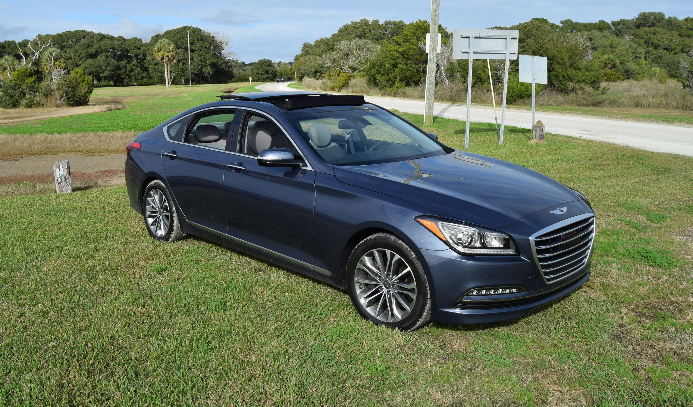 hd road test review 2016 hyundai genesis ultimate v6 rwd car revs. Black Bedroom Furniture Sets. Home Design Ideas