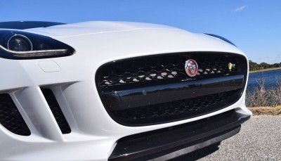 2016 JAGUAR F-Type R AWD White with Black Pack 63