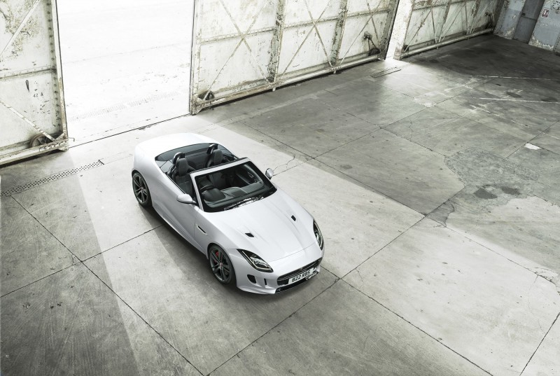 2016 Jaguar F-TYPE British Design Edition 13