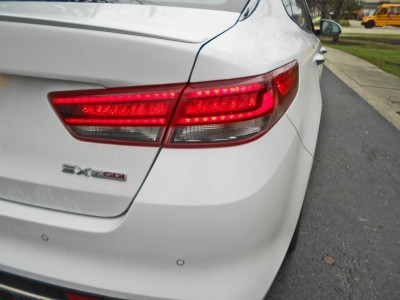 2016 Kia Optima SX Turbo Review 10