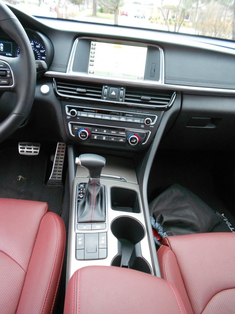 2016 Kia Optima SX Turbo Review 13