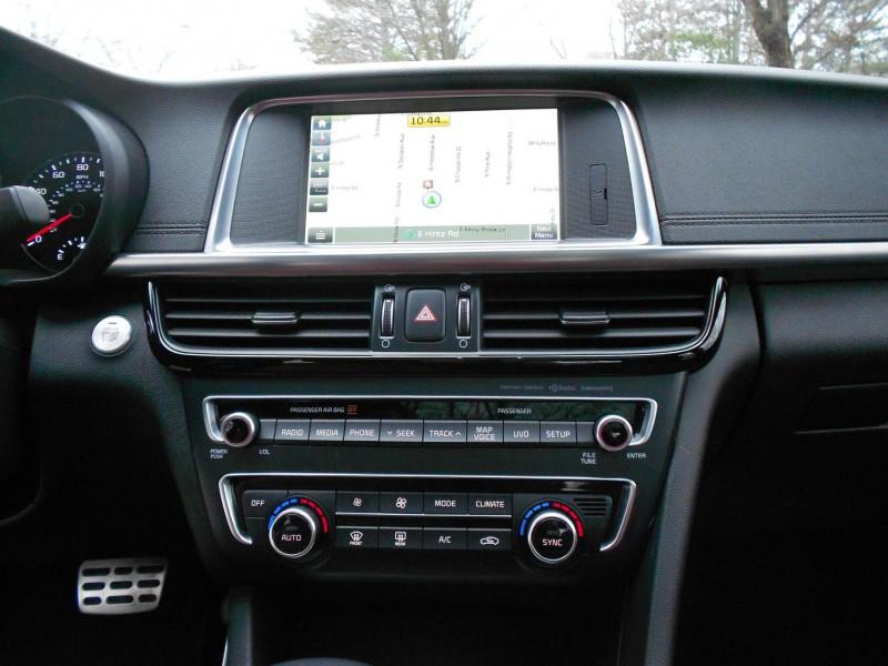 2016 Kia Optima SX Turbo Review 14