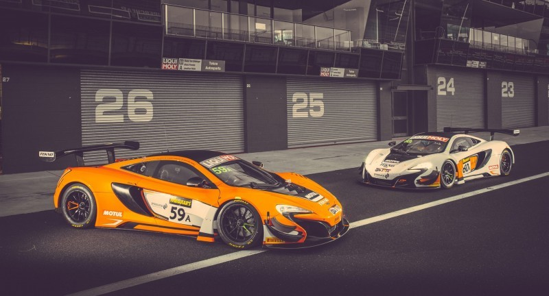 2016 McLaren 650S GT3 SWEEPS Bathhurst 1