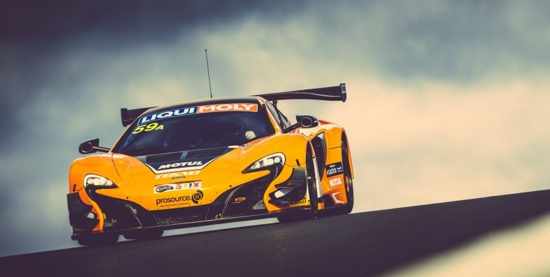 2016 McLaren 650S GT3 SWEEPS Bathhurst 2