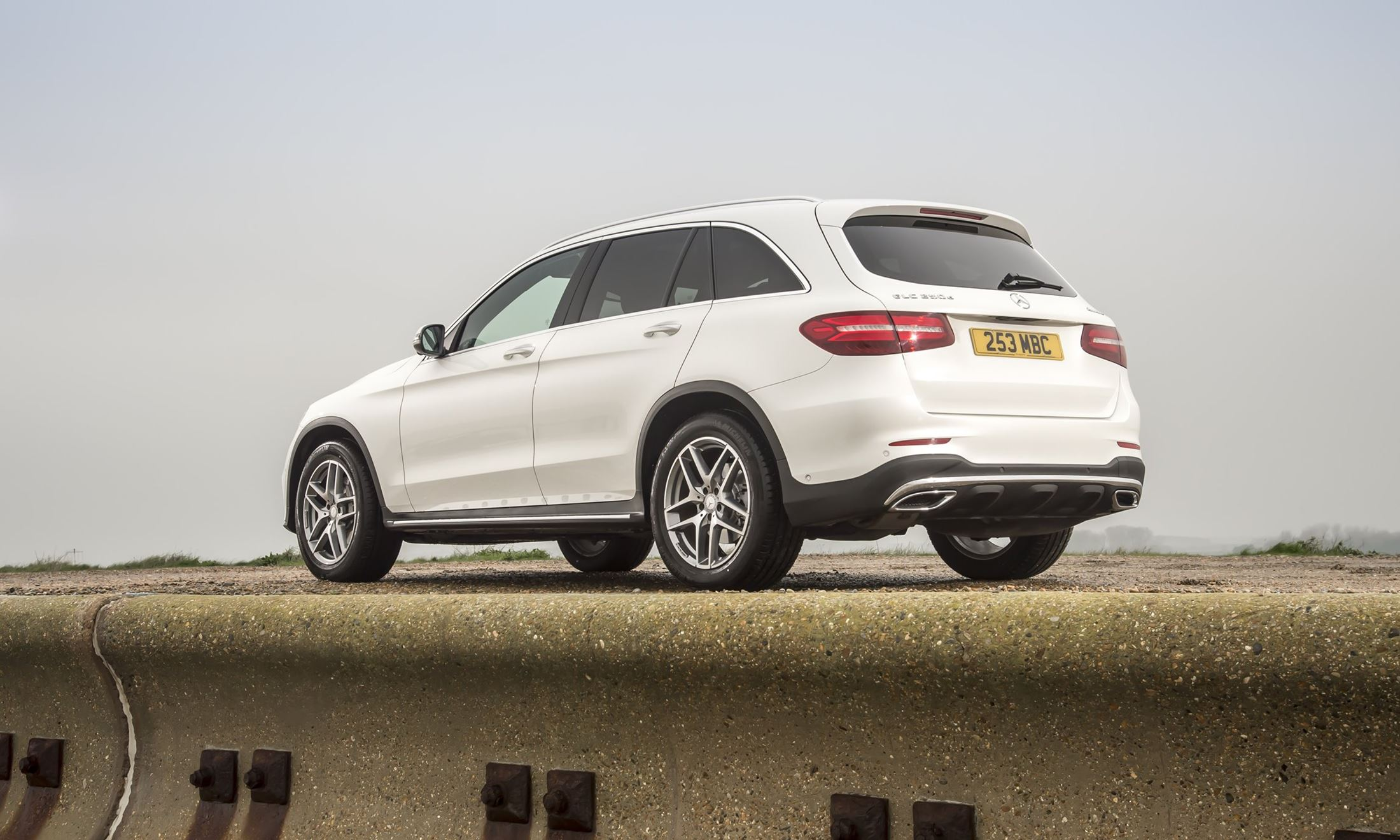 2016 mercedes benz glc300 air sprung crossover in us for 2016 mercedes benz glc class msrp