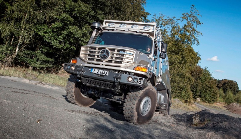 2016 Mercedes-Benz ZETROS Custom RV 20