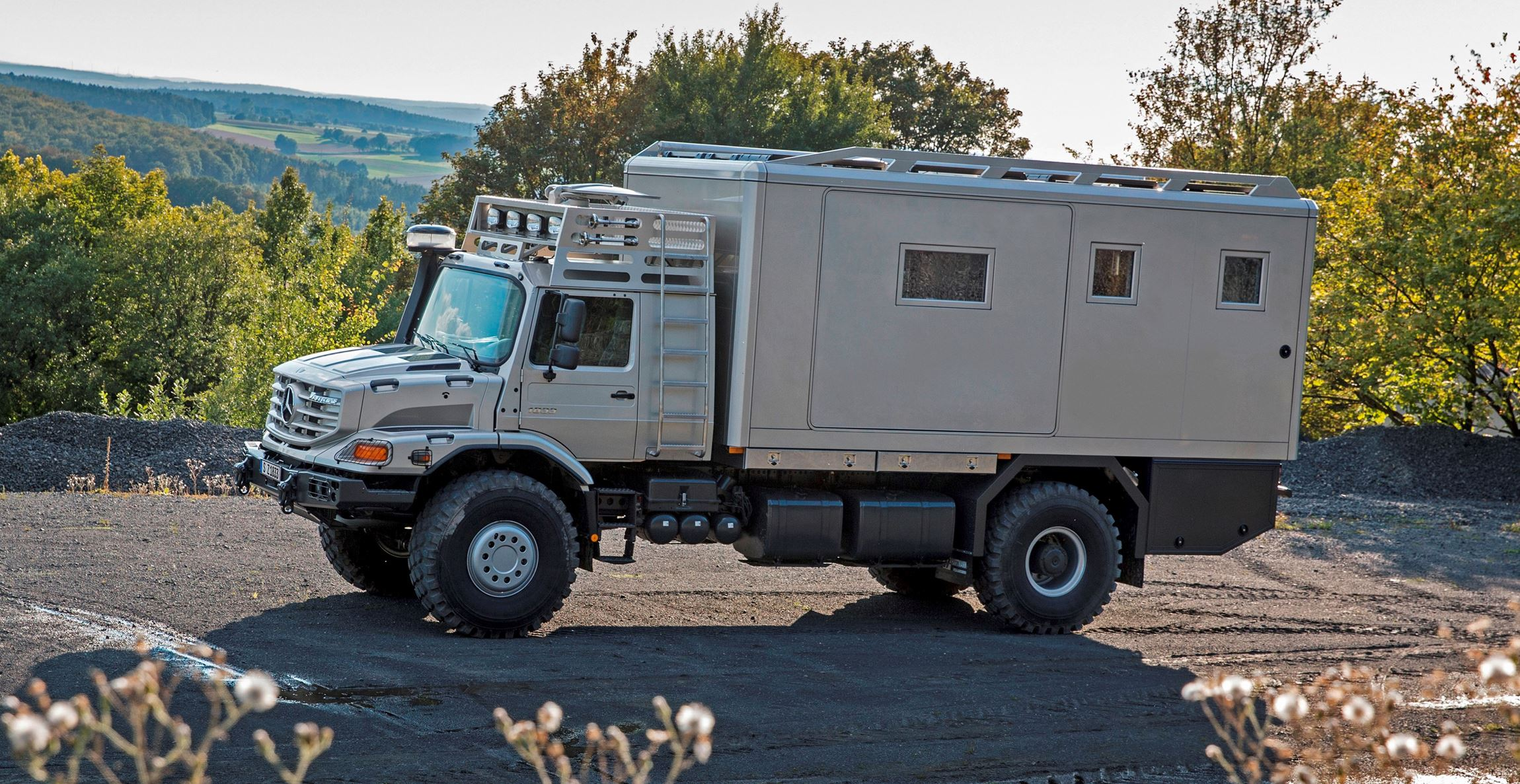 2016 mercedes benz zetros next gen heavy hauler combines for Mercedes benz motor home