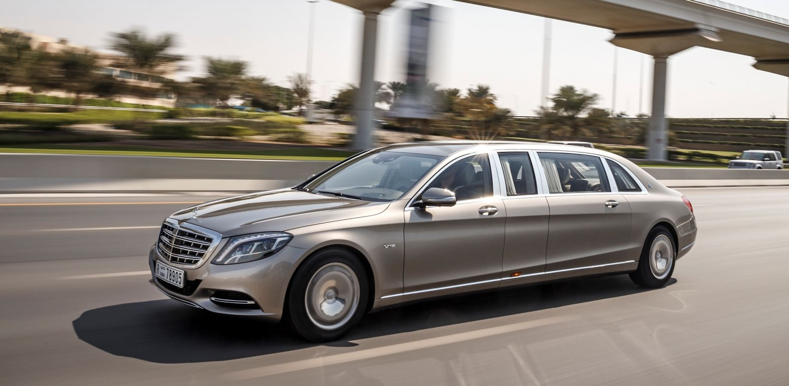 2015 mercedes maybach pullman for Mercedes benz limousine rental