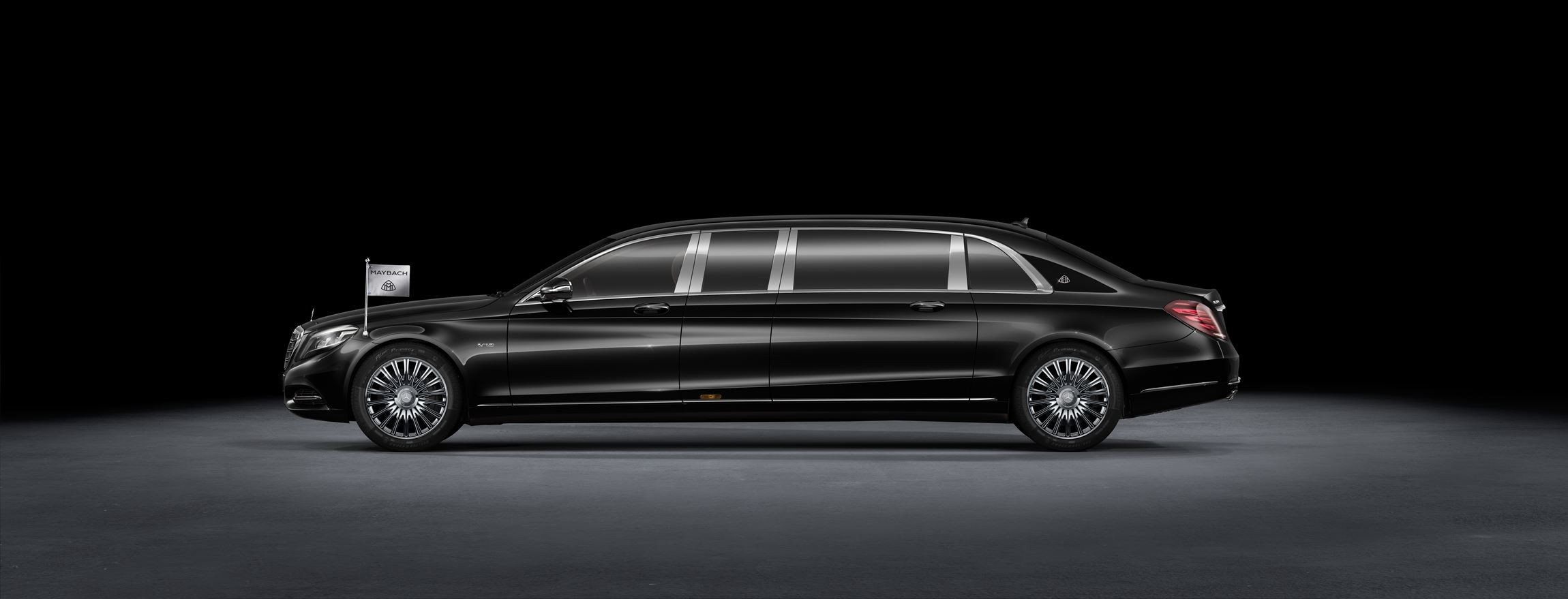 http://www.car-revs-daily.com/wp-content/uploads/2016-Mercedes-Maybach-PULLMAN-Limo-15.jpg