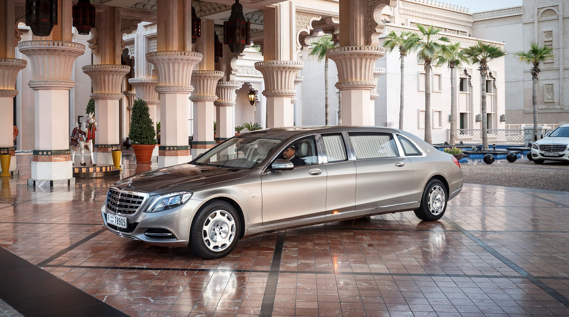 2015 mercedes maybach pullman for Mercedes benz limousine price