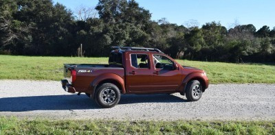 2016 Nissan FRONTIER Pro-4X V6 AWD 13