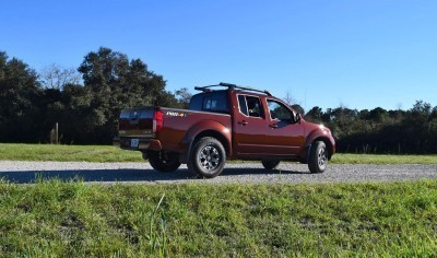 2016 Nissan FRONTIER Pro-4X V6 AWD 15