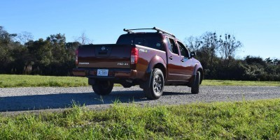 2016 Nissan FRONTIER Pro-4X V6 AWD 17