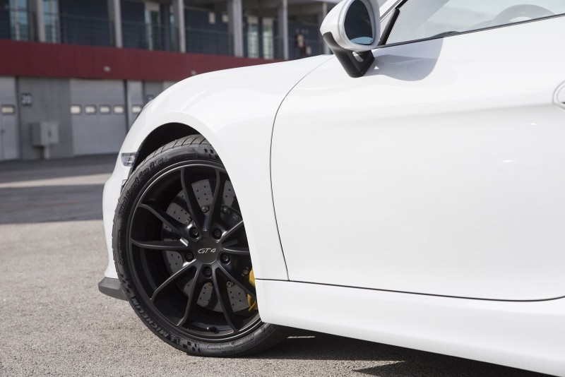 2016 Porsche CAYMAN GT4 10