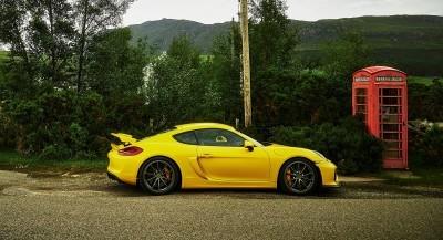 2016 Porsche CAYMAN GT4 32