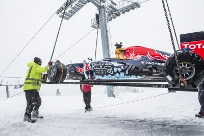 2016 Red Bull F1 Car Austria Snowchains Skiing 1