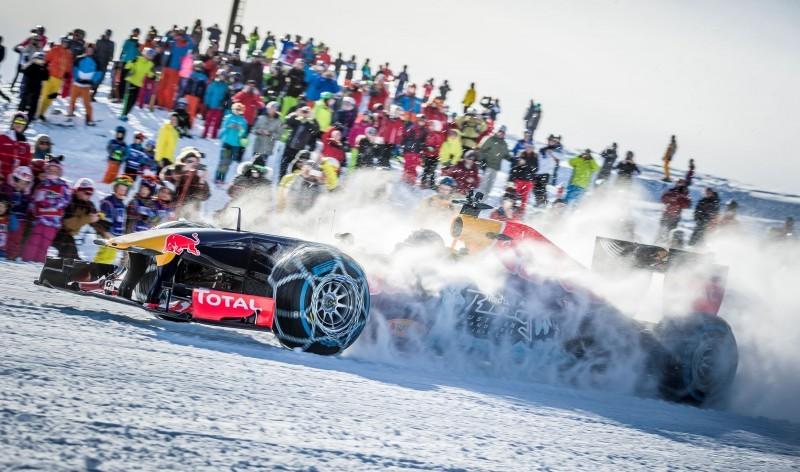 2016 Red Bull F1 Car Austria Snowchains Skiing 17