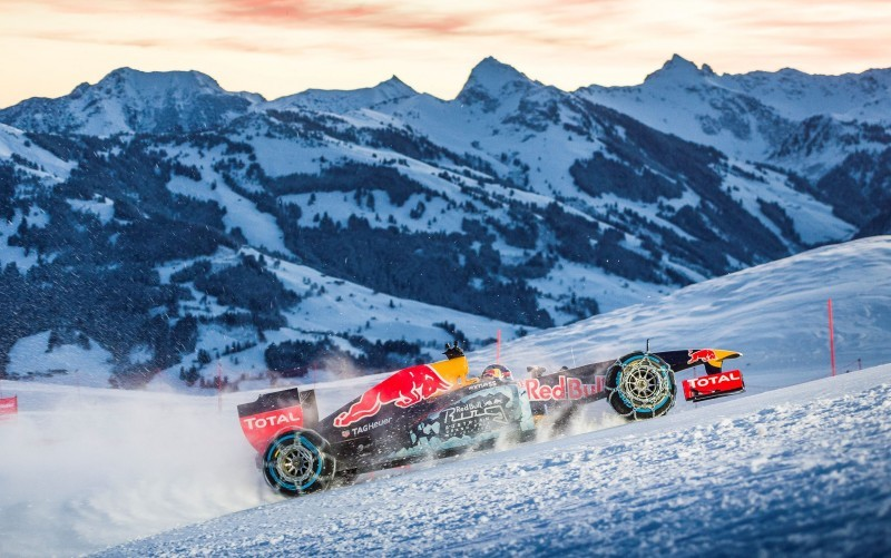 2016 Red Bull F1 Car Austria Snowchains Skiing 22