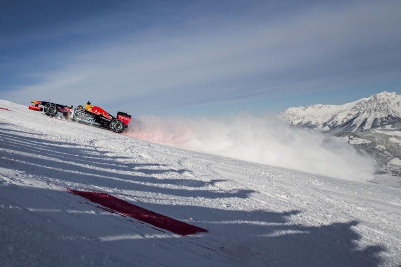 2016 Red Bull F1 Car Austria Snowchains Skiing 32