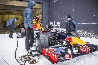 2016 Red Bull F1 Car Austria Snowchains Skiing 4