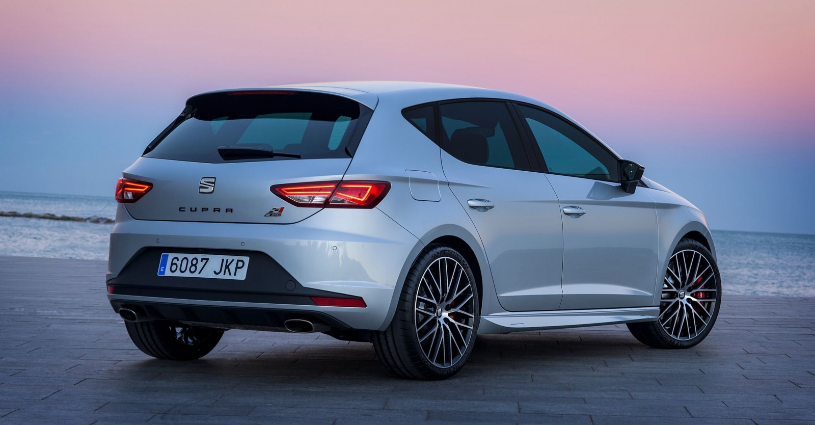 2016 Seat Leon Cupra 290 Gti Beating Coupe Hatch And
