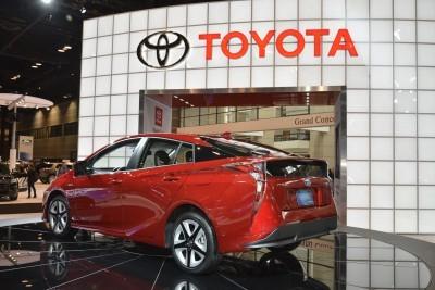 2016 Toyota PRIUS 12