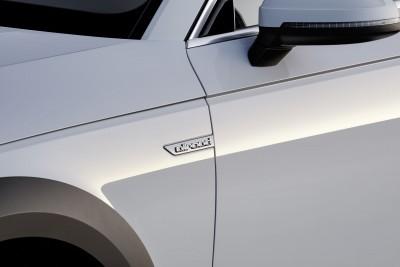Detail, Colour: Glacier White