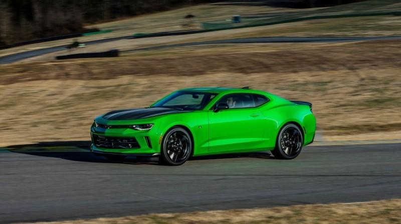 2017-Chevrolet-Camaro-1LE-007