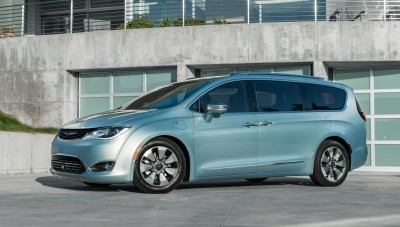 2017 Chrysler PACIFICA 21