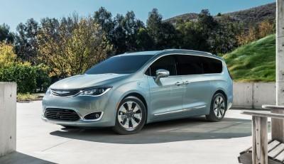 2017 Chrysler PACIFICA 23