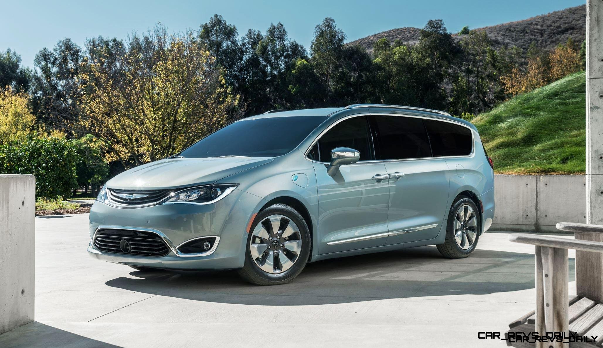 2017 Chrysler PACIFICA 23