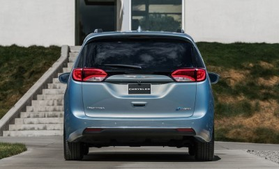 2017 Chrysler PACIFICA 27