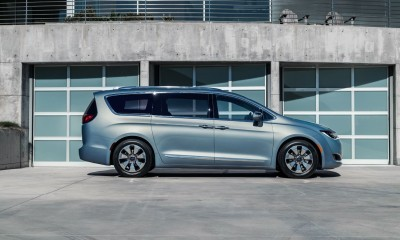 2017 Chrysler PACIFICA 29