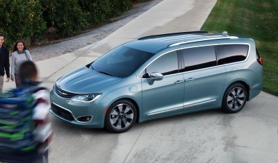 2017 Chrysler PACIFICA 31