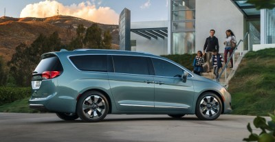 2017 Chrysler PACIFICA 33