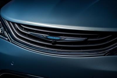 2017 Chrysler PACIFICA 37