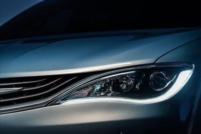 2017 Chrysler PACIFICA 38